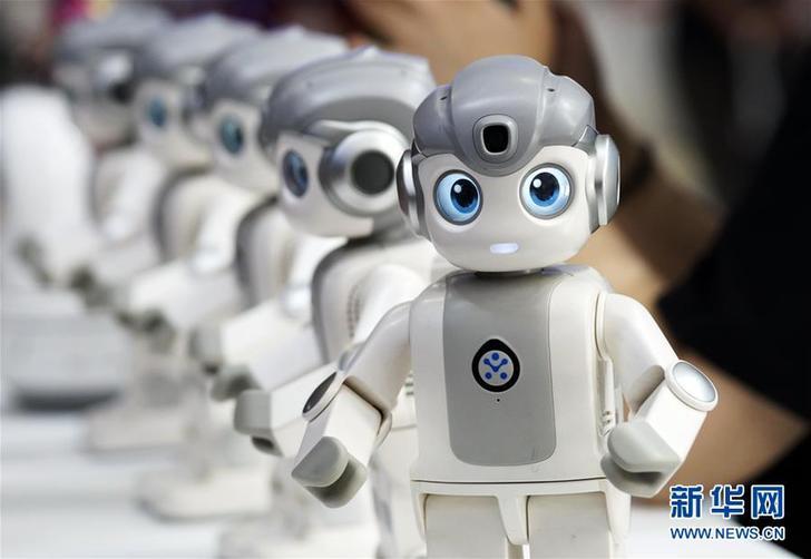 """(科技)(1)机器人""""群英会"""""""