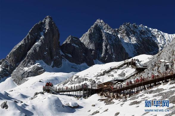 (环境)(2)云南丽江:玉龙雪山景色壮美