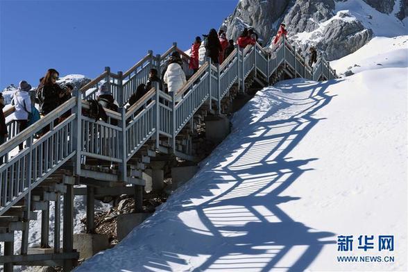 (环境)(7)云南丽江:玉龙雪山景色壮美