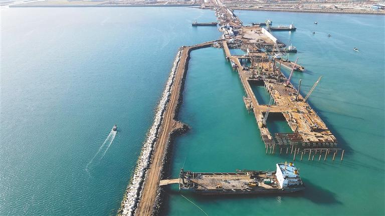 海南洋浦:百萬噸乙烯碼頭初現雛形[圖]