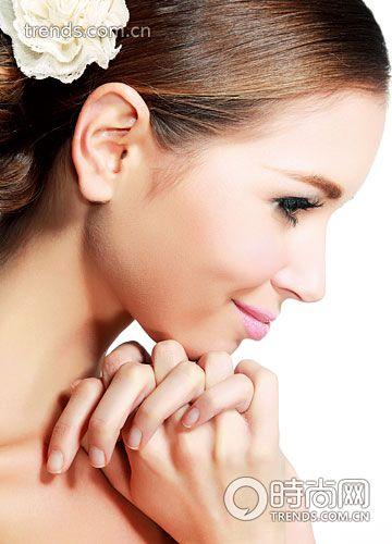 美妆达人帮你肌肤变紧实-3个美肤重点 成就新娘超完美侧脸图片