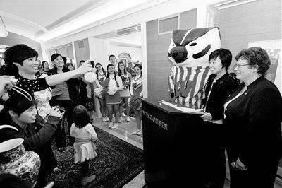 皮划艇名将曝张怡宁赴美留学照 一姐素颜清新 张怡宁宣布退役 经典