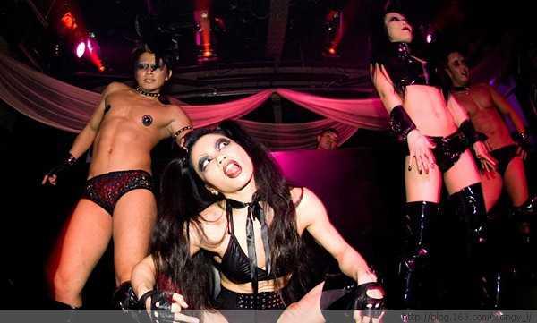 疯狂的日本夜店狂野美女