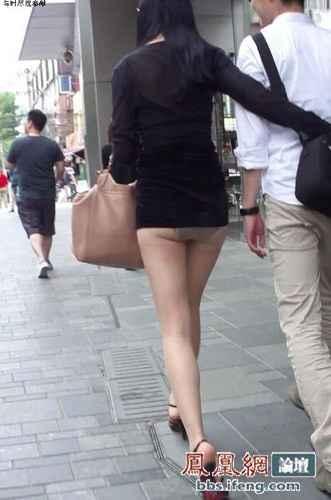 只穿三角裤也能上街!