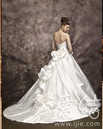 大师级婚纱设计师桂由美教你挑婚纱