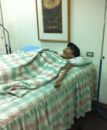 罗志祥戴墨镜医院打吊针 称小感冒不用担心