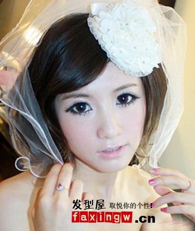可爱的蕾丝花朵小礼帽,短款俏皮白纱,短发新娘可爱装扮必选.