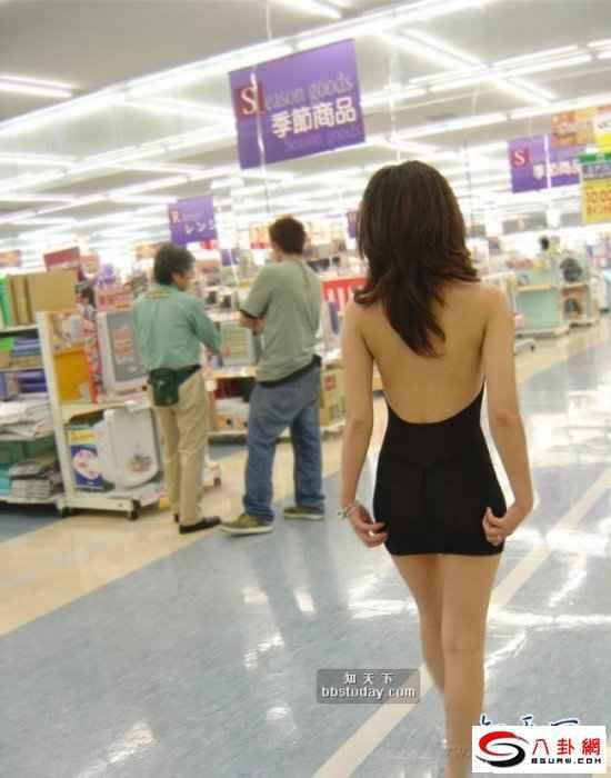 美女暴露狂竟穿这样逛超市图片频道 海口网