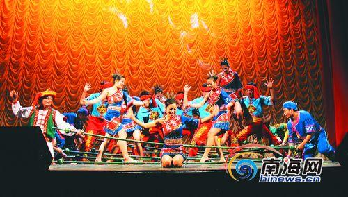 南海风云主题曲曲谱-9月5日,位于保亭黎族苗族自治县的甘什岭槟榔谷原生态黎苗文化旅游
