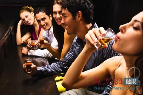 为什么有的人喝酒脸红 有的人脸发白