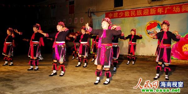 南海风云主题曲曲谱-中建农场举行迎新年少数民族联欢晚会
