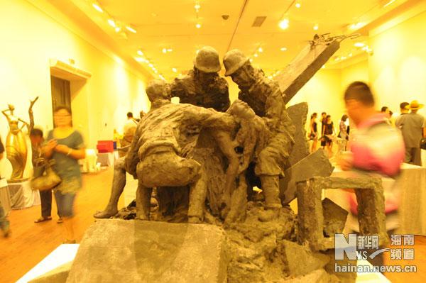 六马人体艺术照片_海南省雕塑艺术学会顾问钟志源作品《早春》,以秀美的少女的人体,表