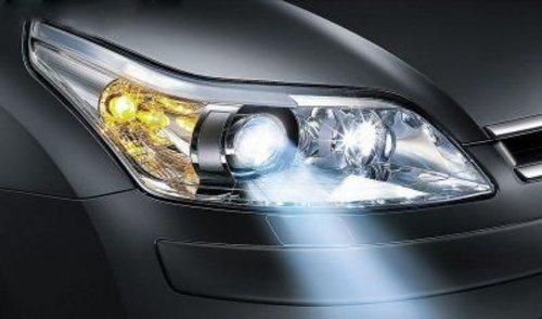 汽车车灯日常的保养和维修.   车灯暗淡无光?提高灯光亮度高清图片
