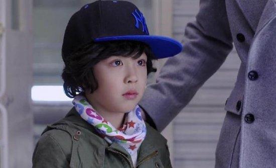 朱佳煜,出生于2005年12月30日,上海人.