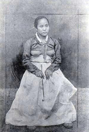 朝鲜_朝鲜女子曾以露乳为美 被日本帝国主义残酷镇压