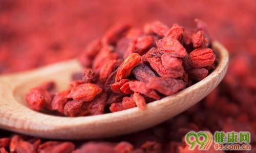 孕妇能不能吃枸杞_高血压能吃红枣枸杞吗?怀孕的女人能不能敏天都吃一些