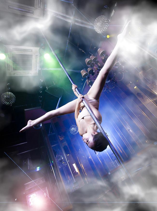 钢管舞美女惹火写真 引爆空中时尚概念图片频
