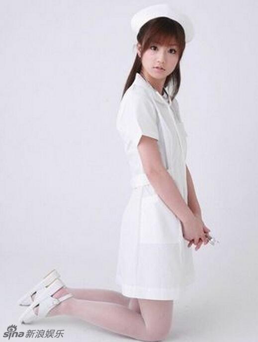 日本女星性感护士造型 制服诱惑风情万种图片