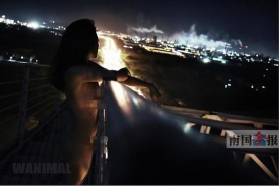 人体艺术高清掰穴_白露大桥上的人体艺术照.该图由于比较裸露没有出现在红豆论坛中
