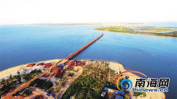 海南是独立的岛屿地理单元,有经济特区,国际旅游岛建设,地方立法权,省