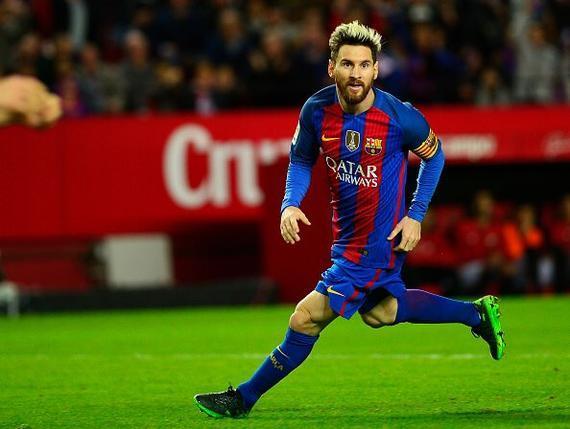 球队上半场的表现堪称灾难,不过凭借梅西之后的进球和助攻,巴萨得以从图片