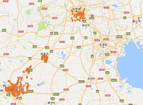 究竟谁是京津冀污染大户,天眼会说话。今天,环保部公布了环境资源卫星侦察到的霾情。   根据卫星的反演技术对京津冀及周边大气污染累积浓度的分析,3月16日至4月1日污染程度最高的300个热点主要集中在河北省石家庄、保定、唐山,山东省济南,河南省安阳,北京市大兴、通州等地市(区)。   为加强对重点地区大气污染监控,推进精细化管理,环保部组织有关技术单位利用卫星反演等技术,将京津冀及周边地区划分为若干个面积为3Km3Km的网格,并定期对网格范围内大气污染程度进行监控分析。   经与现场督查情况和网格污染