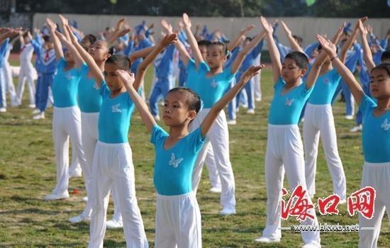 张俊其)今天上午,2010年海口市小学生运动会在海南白驹学校拉开帷幕.