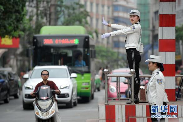 中国女交警紧身裤_中国最恶劣的紧身裤_中国