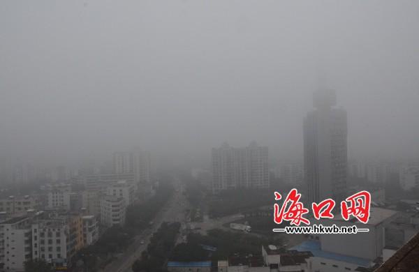 另外,省气象台预计,周末两天海南省不会出现大雾天气,海南岛全岛多云