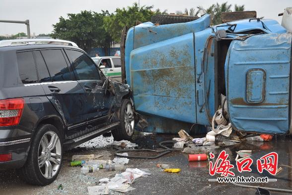 东风标致307车祸