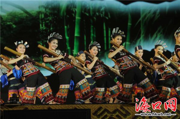 海南黎苗族三月三开幕式昌江举行 展示传统文化图片