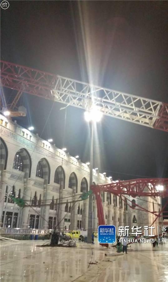 沙特阿拉伯麦加拍摄的发生塔吊倒塌事故的伊斯兰教圣