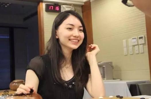 围棋界第一美女黑嘉嘉走红 高颜值逆天