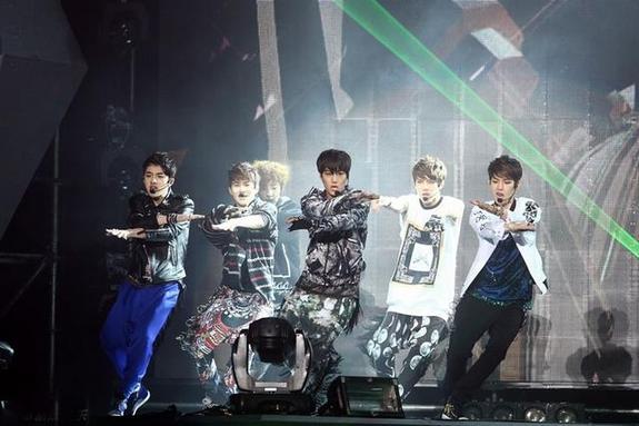 EXO在上海的演出正陷入各方纠纷-EXO演唱会开始退票 主办方只退票