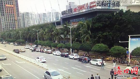 海口交警发布16时路况信息:滨海大道假日海滩路段拥堵 海口交警发布13