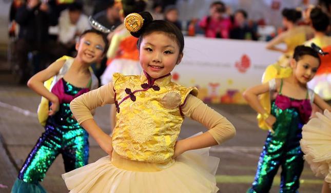 (XHDW)(1)开年、开运、开心——香港新春国际汇演精彩纷呈