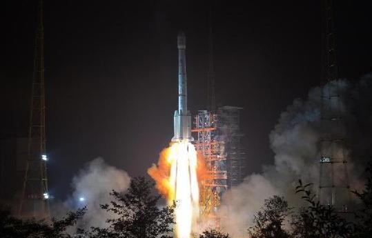 """(科技)我国成功发射""""亚太6C""""通信卫星"""