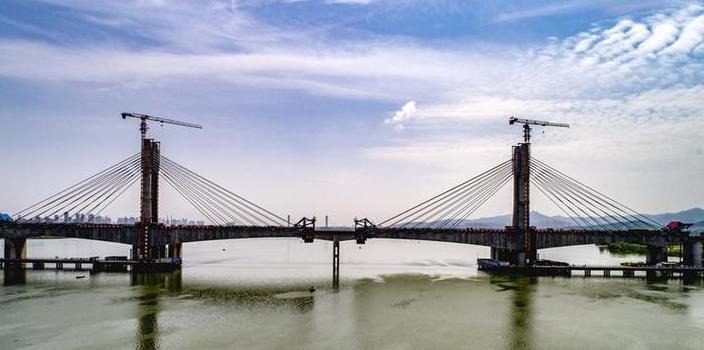 #(经济)(3)蒙华铁路汉江特大桥合龙在即
