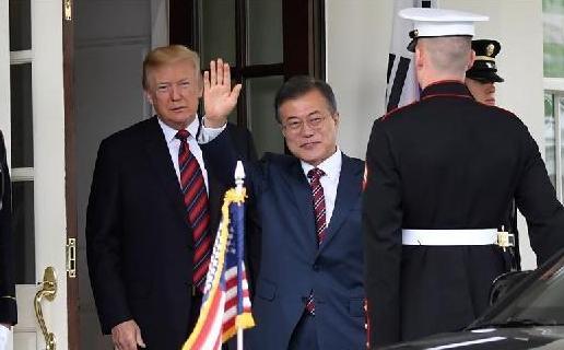 (国际)美国总统特朗普在白宫会见韩国总统文在寅