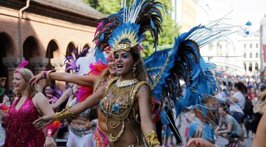 (XHDW)(3)奥斯陆举行年度狂欢节游行