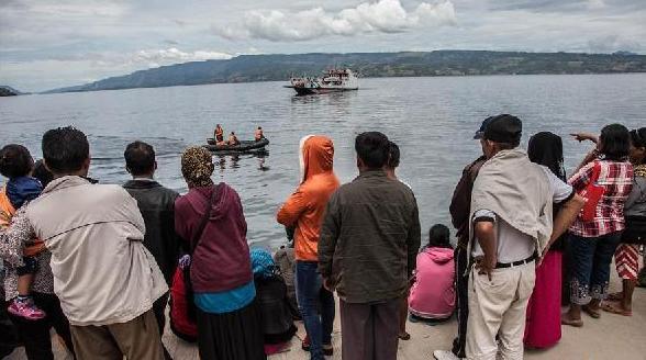 (国际)(2)印尼多巴湖沉船事故失踪人数升至192人