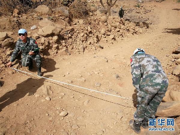 (国际·图文互动)(2)中国赴苏丹达尔富尔维和工兵分队圆满完成道路勘察任务