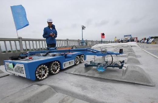 #(经济)(2)无砟轨道成套自动化设备在郑万高铁湖北段启用