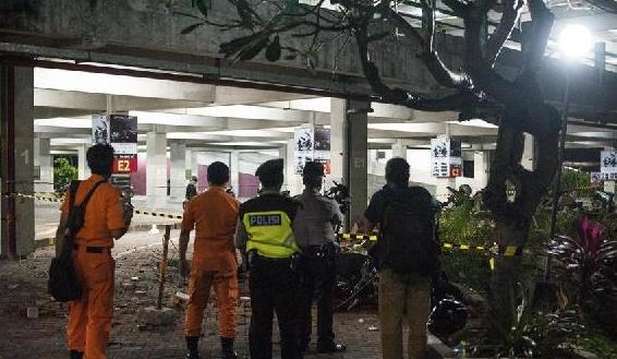 (国际)(1)印尼龙目岛7.0级地震已致82人死亡