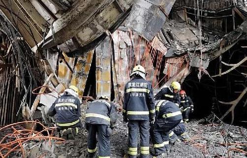 #(突发事件)哈尔滨酒店火灾已造成19人死亡 有关部门正全力救治伤患