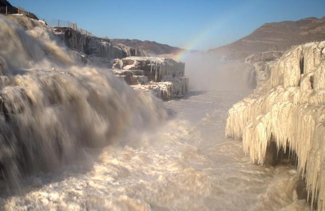 #(美丽中国)(2)瀑布飞虹