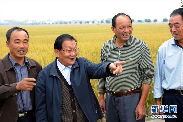 (改革先锋风采·图文互动)(2)吴仁宝:华西村改革发展的带头人
