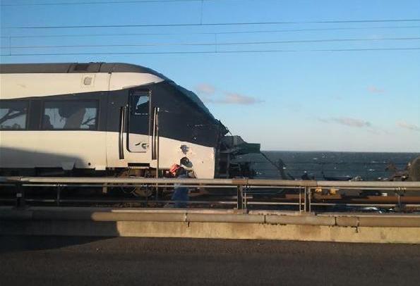 (国际)(3)丹麦列车事故造成6死16伤