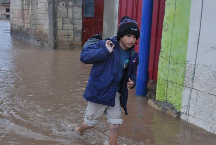 (国际)(1)黎巴嫩遭遇极端天气 多处叙利亚难民营艰难度日