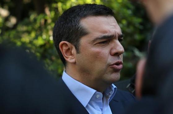 (国际)(4)希腊防长因反对马其顿更改国名协议辞职